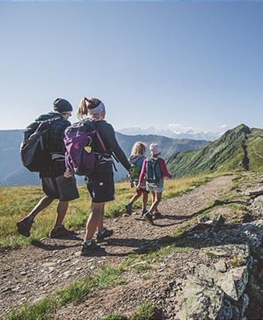 Familienwandern _ Family Hike